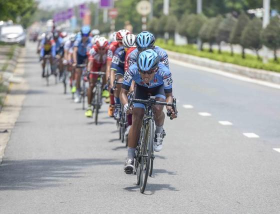 Giải xe đạp quốc tế VTV Cúp: Loic lấy lại áo vàng giúp Bike Life Đồng Nai thắng lớn ảnh 2