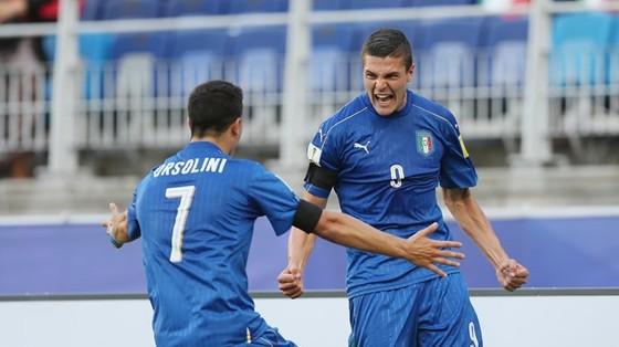 Italia thắp lại hy vọng sau chiến thắng trước Nam Phi