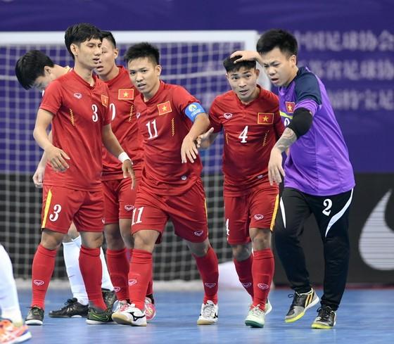 Văn Vũ và các đồng đội sẽ lấy lại sức mạnh tại Asian Indoor Games sắp tới? (ảnh: QUANG THẮNG)