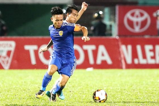 Thủ lĩnh Đinh Thanh Trung của đội bóng xứ Quảng. (Ảnh: DŨNG PHƯƠNG)