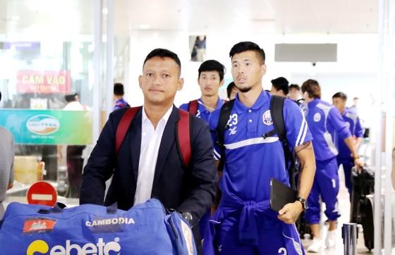Đội tuyển Campuchia tại sân bay Nội Bài