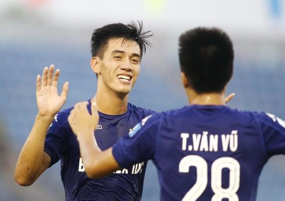Cầu thủ trẻ ngày càng được tín nhiệm trong đội hình B.Bình Dương. Ảnh: DŨNG PHƯƠNG