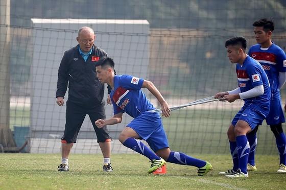 Đội U23 Việt Nam chuẩn bị cho thử thách ở sân chơi châu lục. Ảnh: MINH HOÀNG