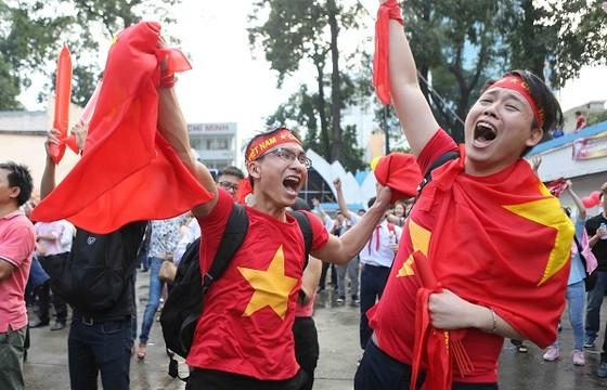 Trực tiếp U23 Việt Nam - U23 Qatar: Tiến lên Việt Nam ảnh 2