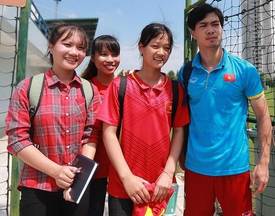 Trao giải Cầu thủ được yêu thích nhất năm 2017 cho Nguyễn Công Phượng ảnh 1