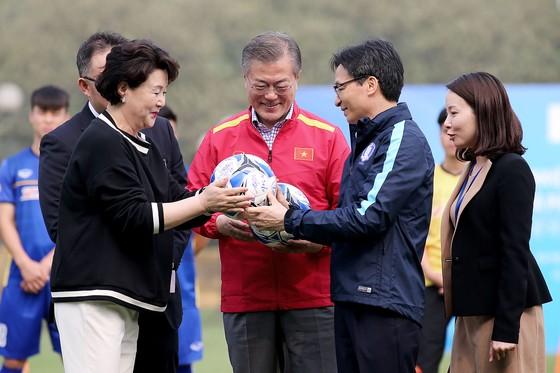 Tổng thống Hàn Quốc giao lưu cùng đội tuyển Việt Nam ảnh 2