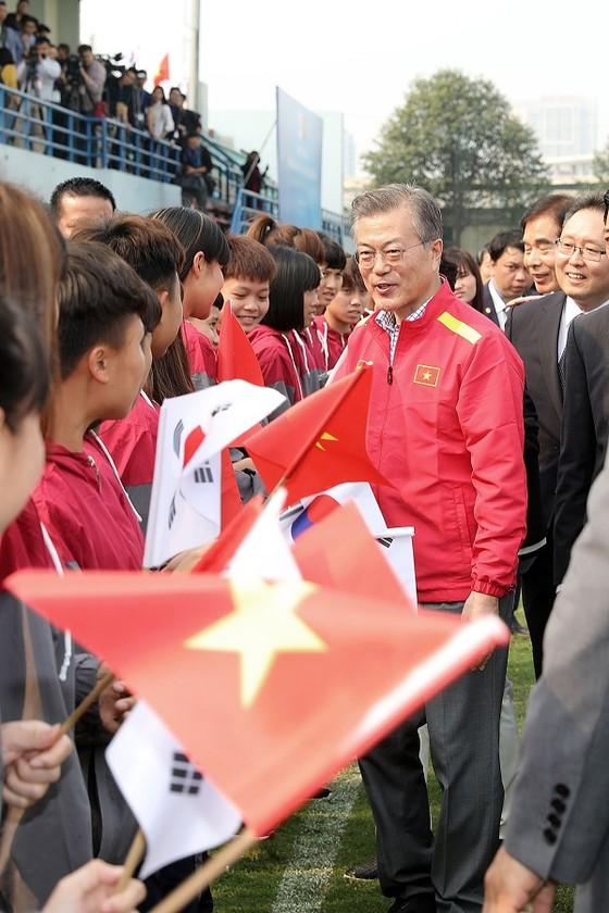 Tổng thống Hàn Quốc giao lưu cùng đội tuyển Việt Nam ảnh 5