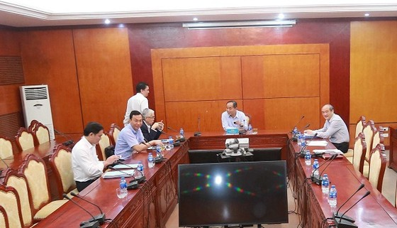 Bên trong cuộc họp chiều 18-4 tại Tổng cục TDTT. Ảnh: MINH HOÀNG