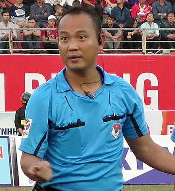 Trọng tài Nguyễn Văn Kiên. Ảnh: MINH HOÀNG