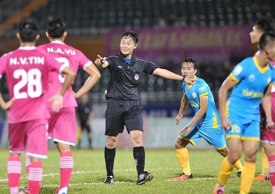 """Vòng 8 V-League 2018 – CLB Sài Gòn để """"vàng rơi"""" phút cuối ảnh 1"""