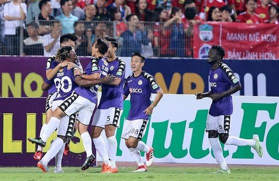 CLB Hà Nội bất bại qua 8 vòng đấu. Ảnh: MINH HOÀNG