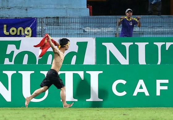 Thủ môn Lê Văn Hưng bị cấm thi đấu 4 trận ảnh 3