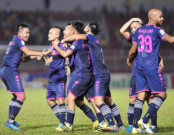 """Vòng 20 Nuti Cafe V-League 2018 - Trận đấu """"tiền tỷ"""" trên sân Cần Thơ ảnh 1"""