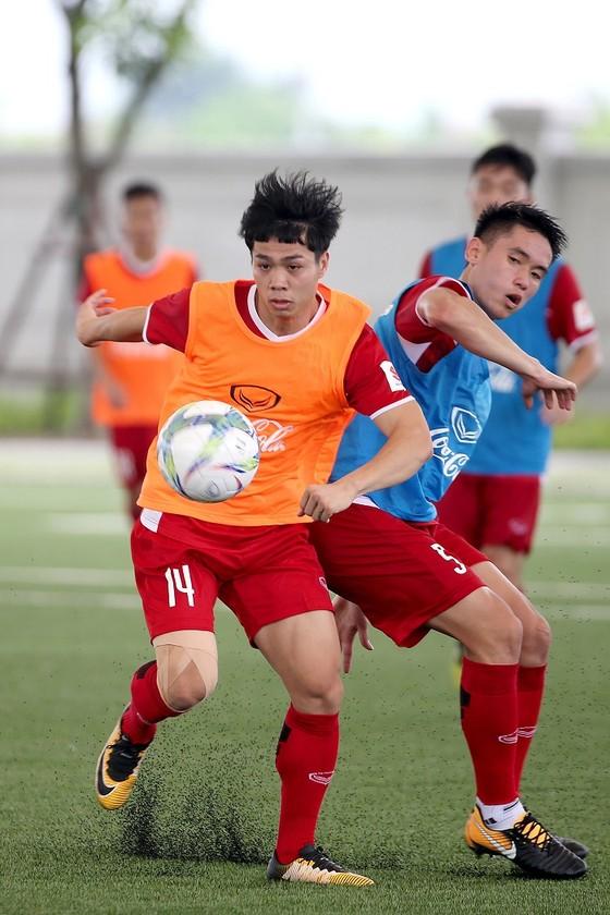 Quyết liệt cuộc cạnh tranh tìm vị trí ở U23 Việt Nam ảnh 2