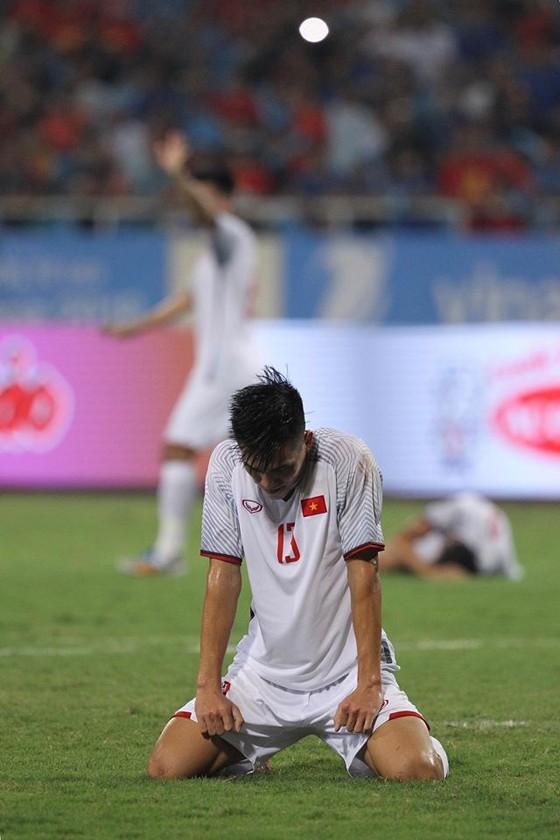 (Trực tiếp) Olympic Việt Nam - Olympic Oman 1-0: Văn Hậu thực hiện siêu phẩm phút 90 ảnh 4
