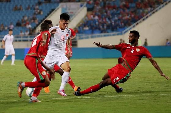 (Trực tiếp) Olympic Việt Nam - Olympic Oman 1-0: Văn Hậu thực hiện siêu phẩm phút 90 ảnh 5