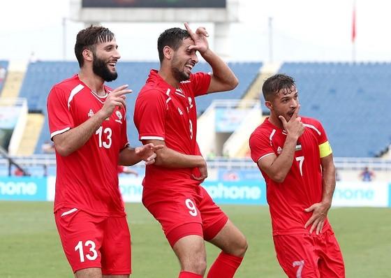 (Trực tiếp) Olympic Việt Nam - Olympic Oman 1-0: Văn Hậu thực hiện siêu phẩm phút 90 ảnh 1