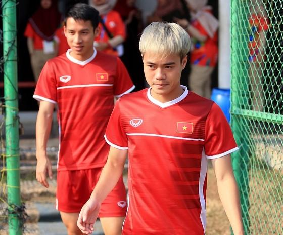Việt Nam - Nhật Bản 1-0: Quang Hải lập công, Việt Nam giành ngôi đầu bảng ảnh 1