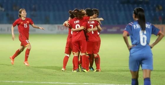 Đánh bại Thái Lan 3-2, tuyển nữ Việt Nam vào tứ kết ASIAD 2018 ảnh 1
