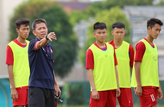 Tham dự giải tại Qatar là cơ hội cho thầy trò HLV Hoàng Anh Tuấn chuẩn bị cho giải châu Á 2018. Ảnh: Đoàn Nhật