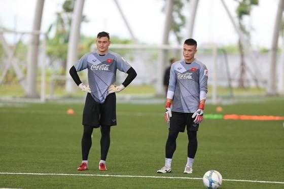 Đặng Văn Lâm hạ quyết tâm dự AFF Cup 2018 ảnh 1