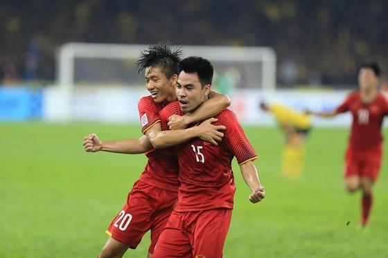 Malaysia - Việt Nam 2-2: Hai tiền vệ trung tâm lập công ảnh 11