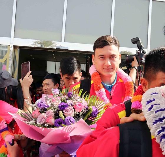Đội tuyển Việt Nam đến UAE ảnh 4
