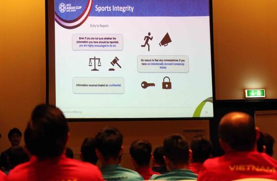 AFC gặp gỡ, phổ biến điều lệ cho đội tuyển Việt Nam ảnh 2