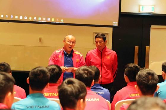 AFC gặp gỡ, phổ biến điều lệ cho đội tuyển Việt Nam ảnh 4