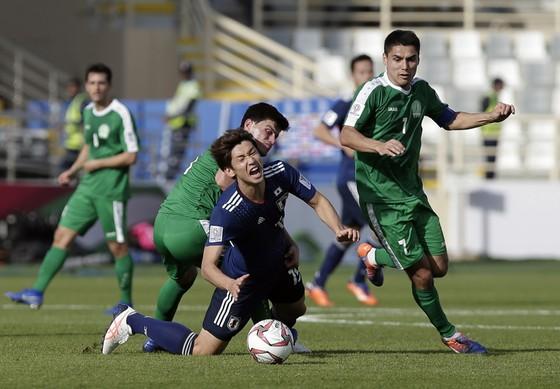 Nhật Bản giành chiến thắng ở trận ra quân