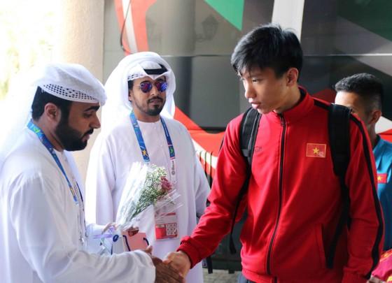 Đội tuyển Việt Nam đến Al Ain, chuẩn bị cho trận gặp Yemen  ảnh 1