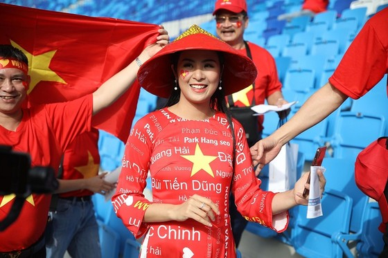 (Trực tiếp) Việt Nam - Nhật Bản 0-1: VAR lại đem niềm vui về cho Nhật Bản ảnh 5