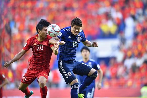 (Trực tiếp) Việt Nam - Nhật Bản 0-1: VAR lại đem niềm vui về cho Nhật Bản ảnh 11