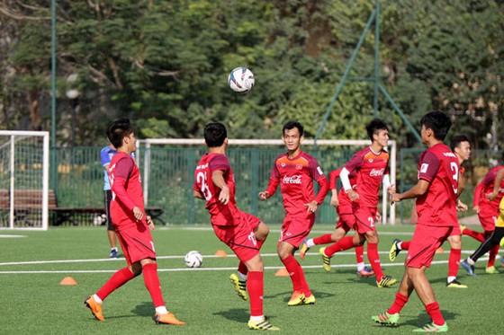 Bóng đá Việt Nam vui vẻ đón Xuân về ảnh 1