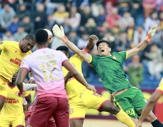 Nam Định đã có trận ra quân ấn tượng trên sân nhà. Ảnh: MINH HOÀNG