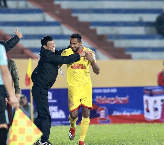 CLB Nam Định giành chiến thắng ấn tượng  ảnh 1