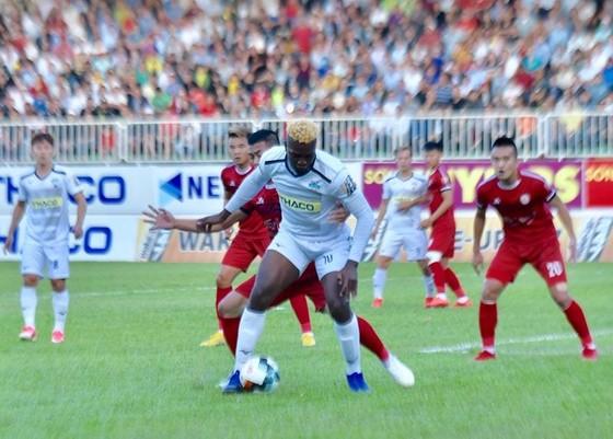 HA.GL  -CLB TPHCM 1-2: Đội bóng phố Núi trắng tay trên sân nhà ảnh 5