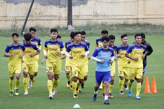 Vòng loại U23 châu Á 2019 được các cầu thủ Việt Nam khởi động vào chiều 6-3. Ảnh: MINH HOÀNG