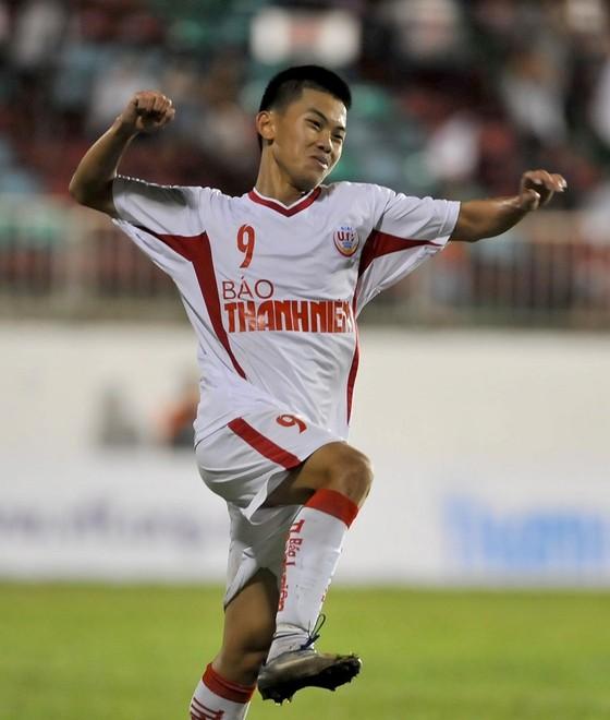 Hai đội nhì bảng gặp nhau ở trận chung kết U19 quốc gia ảnh 1