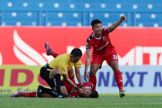 Cầu thủ Nguyễn Hùng Thiện Đức được chuyển đến bệnh viện 115 (TPHCM) ảnh 3