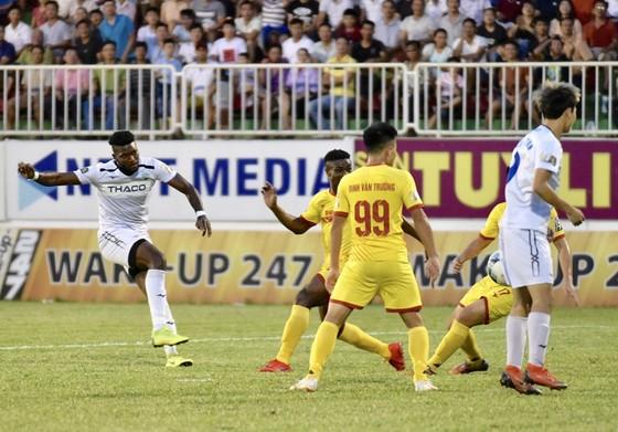 Minh Vương tỏa sáng giúp HA.GL thắng trận thứ 3 ở V-League 2019 ảnh 1