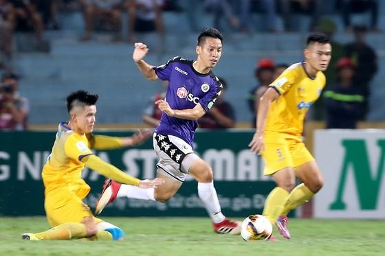 Nhiều khó khăn chờ đón Hà Nội trên sân Thanh Hóa ở vòng 9. Ảnh: MINH HOÀNG