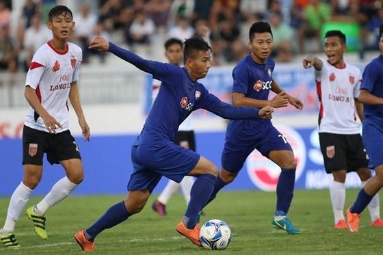 Các cầu thủ Bà Rịa-Vũng Tàu đã tạo hình ảnh xấu xí sau trận thua Phố Hiến hồi năm 2018. Ảnh: Thanh Đình