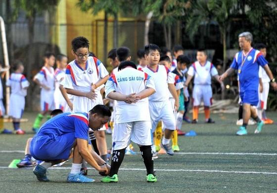 """Lớp bóng đá """"Ươm mầm tương lai"""" – Hoài niệm một thời về Cảng Sài Gòn  ảnh 1"""