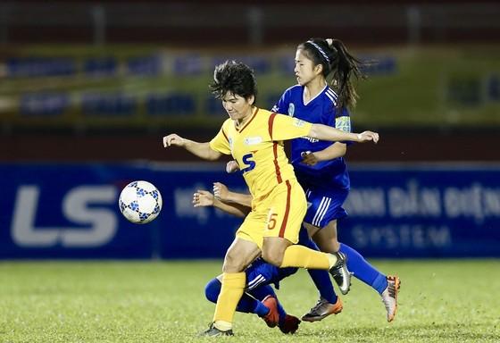 Đội nữ TPHCM I hướng đến ngôi vô địch lượt đi ảnh 1
