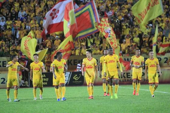 Nam Định giành trọn 3 điểm trên sân Thiên Trường, vòng 15 V-League 2019 ảnh 1