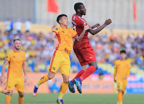 CLB TPHCM đã có trận hòa tiếc nuối trên sân Thanh Hóa. Ảnh: MINH HOÀNG