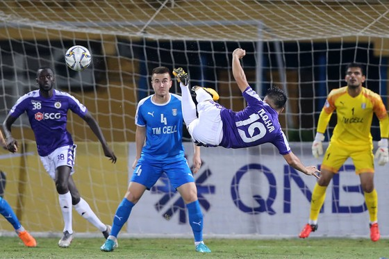 Quang Hải đã có trận đấu đáng nhớ với 2 bàn thắng. Ảnh: MINH HOÀNG
