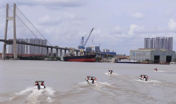 Biên phòng thành phố được trang bị tàu và ca nô hiện đại ảnh 4
