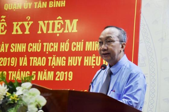 Quận Tân Bình: 259 đảng viên nhận huy hiệu Đảng đợt 19-5 ảnh 1